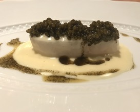 "baked wild turbot, fermented white asparagus juice,  ""reserve caviar"""