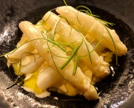 White asparagus with sauce gribiche