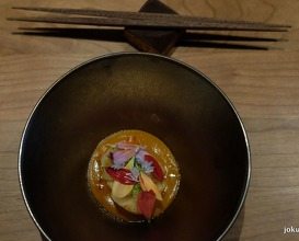 roasted scallop, sea urchin 'hot sauce', finger lime, chrysanthemum and spruce shots
