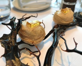 Guinea fowl puff with mead