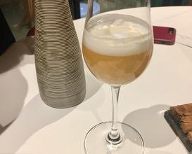 Gin tonic of apple
