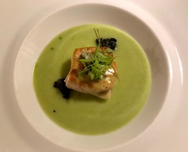 Amberjack in green sauce, seaweed and mollusc ragout