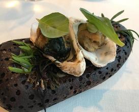 Oyster in tempura