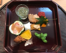 Lunch at Seisoka (青草窠)