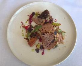 Assiette of suckling pig / Salted apple / Num num & sauerkraut crisps