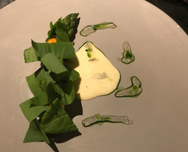 Green Asparagus Beurre Blanc Champagne Sauce / Jelly Fish / Sea Urchin