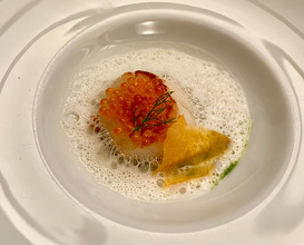 Roasted scallop, dill, lemon emulsion and trout eggs