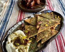 ZA'TAR ÇITIR & LABNE Za'tar Chips & Labneh