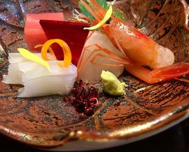 造り Sashimi 能登沖の幸盛り合わせ Sashimi platter (Noto off the coast)