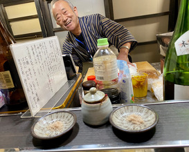 Late night snack at the Yatai (Nakasu Island) of the father of Amamoto