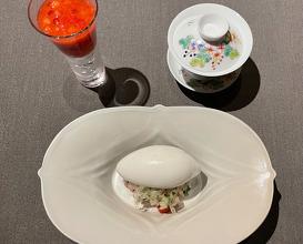椰子草莓 Coconuts Ice and Strawberry sauce