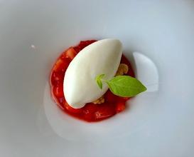 Pre dessert - strawberries and mascarpone sorbet