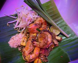 Dinner at ผัดไทยไฟทะลุ  Pad Thai Fai Ta Lu