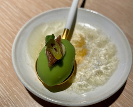 Green olive (crisp shell with liquid centre)