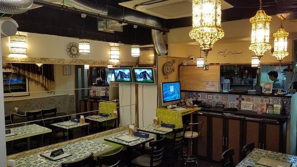 Ali S Kitchen Osaka Halal Restaurant Osaka Reviews Photos Address Phone Number Foodle